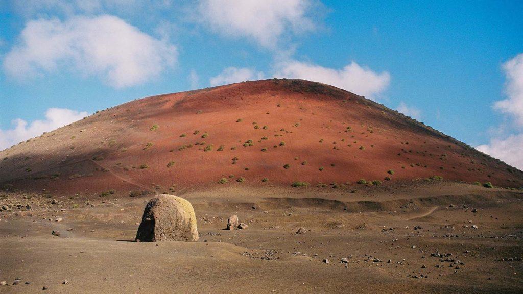 Rode bergen op Lanzarote
